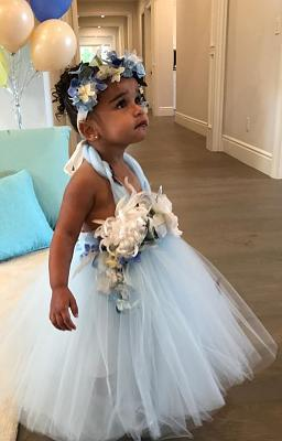 Click image for larger version.  Name:6206280-0-Fit_for_a_princess_Dream_Kardashian_turned_two_on_November_10_an-m-23_1542363357047.jpg Views:0 Size:95.6 KB ID:204868