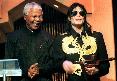 Click image for larger version.  Name:Michael-And-Nelson-Mandela-michael-jackson-34370632-1200-838.jpg Views:0 Size:136.6 KB ID:49318