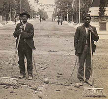 Click image for larger version.  Name:220px-Chain_Gang_Street_Sweepers,_1909.jpg Views:20 Size:17.2 KB ID:3194