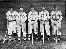 Click image for larger version.  Name:brooklyn-dodgers-outfielders-l-to-r-new-york-daily-news-archive.jpg Views:51 Size:85.8 KB ID:220401