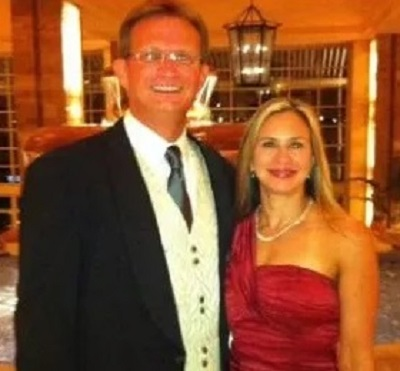 Click image for larger version.  Name:Lawrence Michael Handley and wife Schanda.jpg Views:65 Size:41.2 KB ID:223000