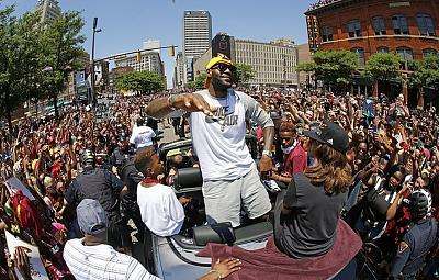 Click image for larger version.  Name:1J5bY1dRgKae936c68daee20b15e-3735552-Cleveland_Cavaliers_LeBron_James_center_stands_in_the_back_.jpg Views:0 Size:186.4 KB ID:143825