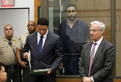 Click image for larger version.  Name:4D48F88800000578-5853799-Winslow_Jr_second_from_right_stands_behind_lawyers_Brian_Watkins-a-6_15.jpg Views:1 Size:63.0 KB ID:194986